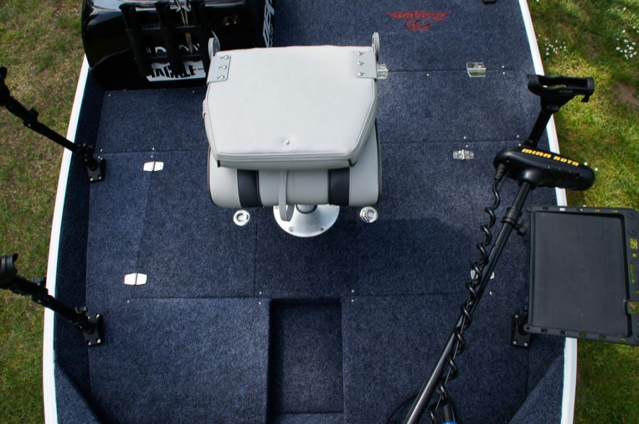 DEKA 485 Tournament Bassboat - Angelboot aus Aluminium, Aufbau 10