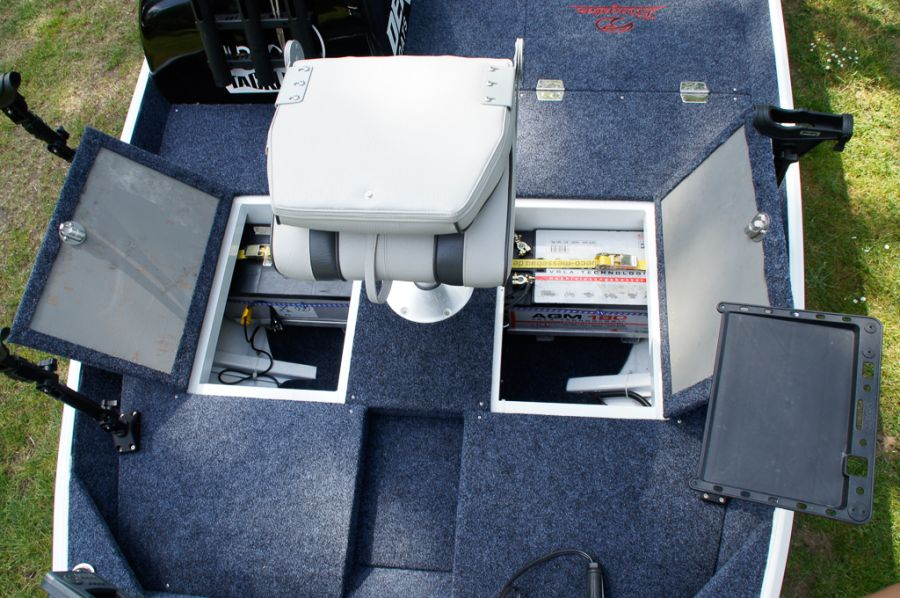 DEKA 485 Tournament Bassboat - Angelboot aus Aluminium, Aufbau 11