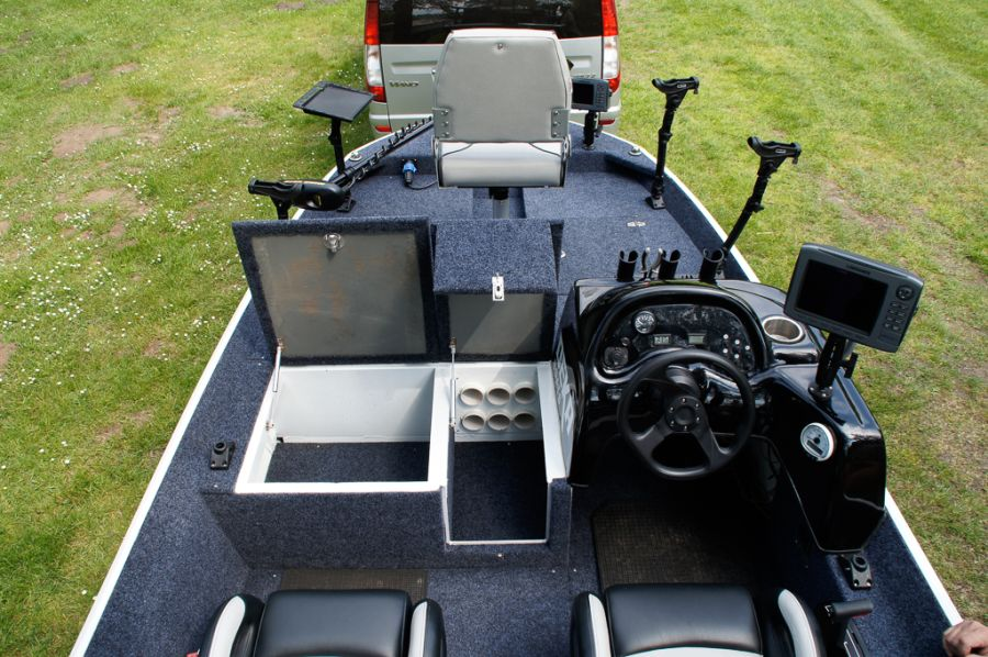 DEKA 485 Tournament Bassboat - Angelboot aus Aluminium, Aufbau 12