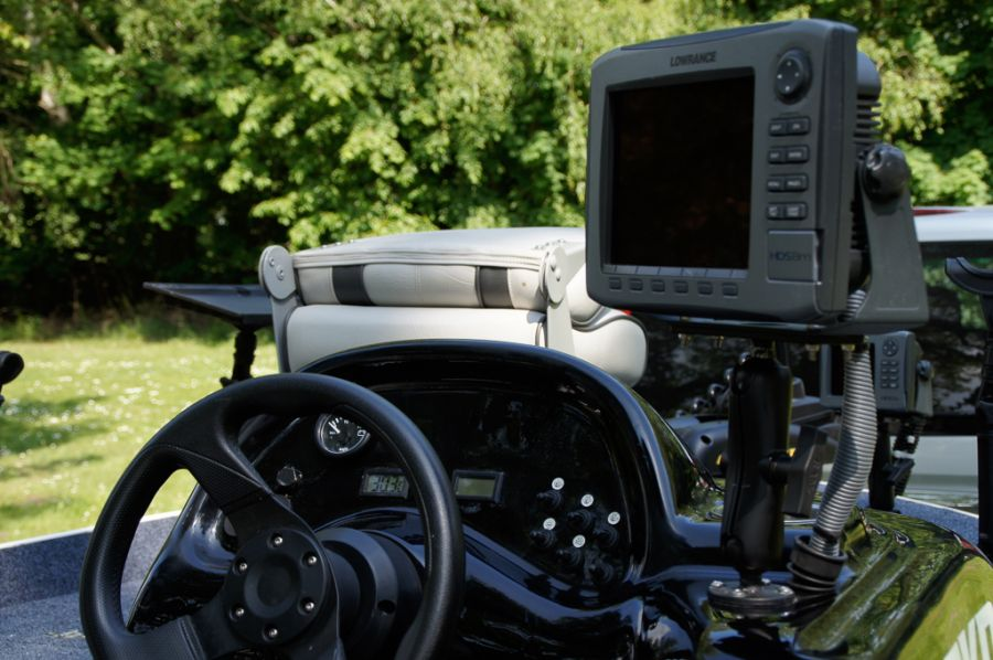 DEKA 485 Tournament Bassboat - Angelboot aus Aluminium, Aufbau 7
